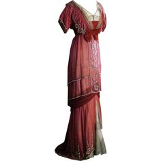 Edited by Beverly in Photoshop ~ Edwardian Era 1910-1913 ❤ liked on Polyvore featuring dresses, gowns, vintage, titanic and costume