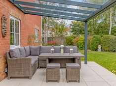 Discover our veranda range! Choose from a variety of contemporary roof styles. Request a FREE quote for your glass or polycarbonate veranda. Deck With Pergola, Outdoor Pergola, Backyard Pergola, Patio Roof, Outdoor Rooms, Outdoor Living, Outdoor Furniture Sets, Covered Deck Designs, Covered Patio Design