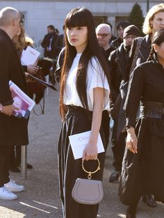 The Best Bag Looks of Paris Fashion Week Fall 2017's Celebrity Attendees - PurseBlog