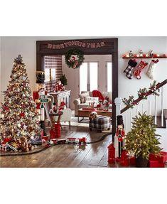 Diy Christmas Lights, Silver Christmas Decorations, Decorating With Christmas Lights, Blue Christmas, Beautiful Christmas, Christmas Home, Christmas Wreaths, Tv Stand Christmas Decor, Christmas Staircase Decor