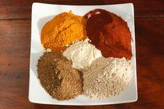 Como hacer Curry Masala casero Garam Masala, Sin Gluten, Cilantro, Dips, Spicy, Bbq, Recipies, Food And Drink, Cooking