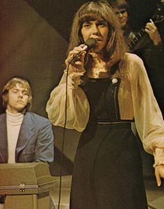 "elizabitchtaylor: "" The Carpenters, 1971 "" Richard Carpenter, Karen Carpenter, Karen Richards, We Will Rock You, Tv Couples, Old Tv Shows, Celebs, Celebrities, 80s Fashion"