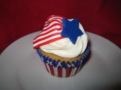 30 Spectacular Red, Blue, and White Cupcake  (20)