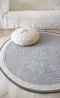Hooked croche rug