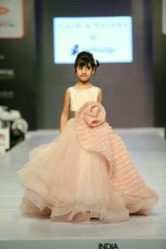 Look at the expression! Gowns For Girls, Little Dresses, Little Girl Dresses, Cute Dresses, Girls Dresses, Flower Girl Dresses, Little Girls, Kids Party Wear, Kids Wear