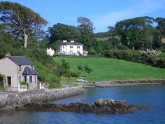 2 Bedroom Cottage in Skibbereen to rent from £396 pw,