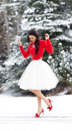 Love this outfit, perfect for the holidays! :: Winter Fashion:: Holiday Clothes:: Fool for Tulle:: Red and White - Tulle skirt - yay, nay? Style Work, Mode Style, Holiday Party Outfit, Holiday Outfits, Holiday Clothes, Christmas Outfits For Women, Holiday Parties, Party Clothes, Xmas Party