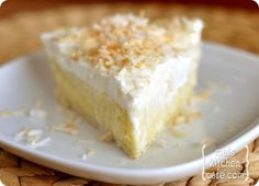 Coconut Cream Pie Old-Fashioned Coconut Cream Pie .I love recipes using coconut milk - gives it such a good coconut flavor.Old-Fashioned Coconut Cream Pie .I love recipes using coconut milk - gives it such a good coconut flavor. Köstliche Desserts, Delicious Desserts, Dessert Recipes, Yummy Food, Tasty, Lemon Desserts, Plated Desserts, Best Coconut Cream Pie, Coconut Milk