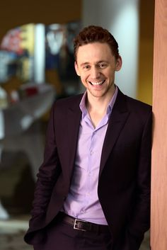good color for tom here,though I must say that blue may be his best color.but i will take what i can get