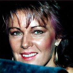 Nackt  Anni-Frid Lyngstad Sexy Pictures