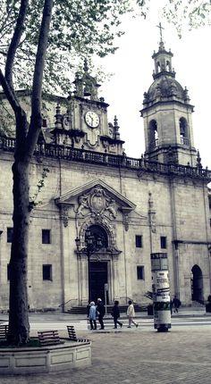 Bilbao, Iglesia de San Nicolás, desde el Arenal. Bilbao, Basque Country, Spain.