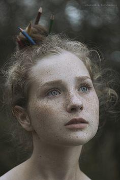 Alexandra Bochkareva faz ensaio que captura a beleza das sardas (FOTOS)