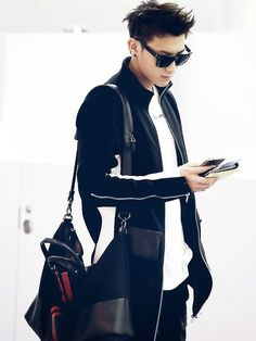 Discovered by an_xoxo. Find images and videos about kpop, exo and tao on We Heart It - the app to get lost in what you love. Mens Fashion Blog, Kpop Fashion, Korean Fashion, Fashion Trends, Exo Tao, Baekhyun, 2ne1, Got7, Huang Zi Tao