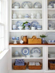 Love the airy shelves that can make a small room feel larger.