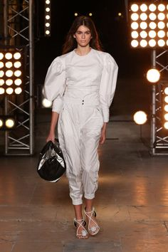 Isabel Marant just showed her S/S 18 collection in Paris, and you definitely need to see the ballerina flip-flops she designed. Check them out here.