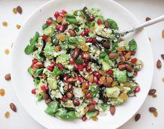 Uusi vuosi jne. Paitsi keittiön puolella en meinannut vaihtaa tyyliä: ylivoimaisesti eniten harrastamani ruokalaji on salaatti, joten p...