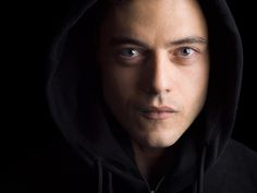 "Hackers on screen: These experts keep 'Mr. Robot' realistic (Q&A) - CNET talks with some of the humans behind ""Mr. Robot"" about what makes the show compelling even if you're not well versed in hacking."