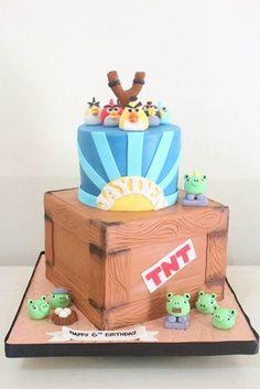 Angry Birds Cake by Cupcake Couture Davao  www.facebook.com/cupcakecouturedavao