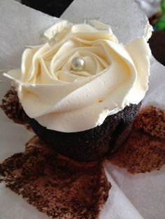Roses and chocolate brilliant! #cupcake