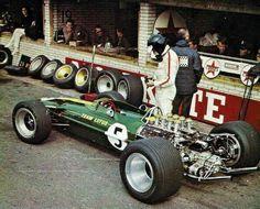 1967 Dutch GP, Zandvoort : Jim Clark, Lotus-Ford 49 #5, Team Lotus, Winner (ph: forum-auto.com)