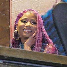 Ideas for music artists pictures posts Nicki Minaj Rap, Nicki Minaj Videos, Nicki Minaji, Nicki Minaj Outfits, Nicki Minaj Barbie, Nicki Minaj Pictures, Nicki Minaj Wallpaper, Meme Faces, Mood Pics