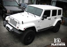 SNOW WHITE JEEP SAHARA UNLIMITED X PLATINUM MOTORSPORT