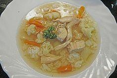 Hausgemachte Hühnersuppe:  Super bei Erkältung oder Eisenmangel