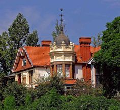 Dolobran - Johannesburg. House designed by JA Cope in 1905 for one of the wealthy Rand Lords ( involved in the mining industry - Johannesburg was built and founded on the discovery of gold) by flickrfrank1, via Flickr