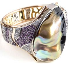 """Son of Juno"" - Jewellery by Leon Parry. This bangle was a finalist of the 2006 Jewellery Association of Australia's awards in the pearl category"