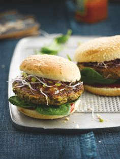 Mushroom and nut burger  (Dutch recipe)
