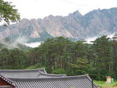 NORTH KOREA, MT. GEUMGANG