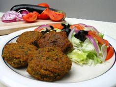 Falafel is a worldwide recognized Middle Eastern food. Learn how to make authentic falafel from this classic recipe. Lamb Recipes, Egg Recipes, Healthy Recipes, Falafels, Arabian Food, Egyptian Food, Middle Eastern Recipes, Vegan Dishes, Crepes