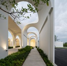 Gallery of Aube Wedding Venue / PHTAA Living Design – 8 – Architecture Arcade Architecture, Residential Architecture, Art And Architecture, Design Exterior, Facade Design, Interior And Exterior, Curved Walls, Land Scape, Future House
