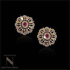 Gold Jhumka Earrings, Gold Bar Earrings, Jewelry Design Earrings, Gold Earrings Designs, Gold Jewellery Design, Ear Jewelry, Gold Jewelry, Diamond Earrings, Jewelery