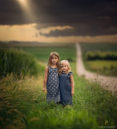 Sisters by Jake Olson Studios Cute Kids, Cute Babies, Photoshop, Lightroom, Creative Photos, Ms Gs, Beautiful Children, Children Photography, Kids Playing