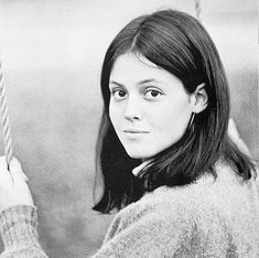 Funny pictures about Sigourney Weaver's Awesome Yearbook Picture. Oh, and cool pics about Sigourney Weaver's Awesome Yearbook Picture. Also, Sigourney Weaver's Awesome Yearbook Picture photos. Celebrity Yearbook Photos, Yearbook Pictures, Celebrity Pictures, Yearbook Quotes, School Pictures, Young Celebrities, Beautiful Celebrities, Celebs, Young Actors