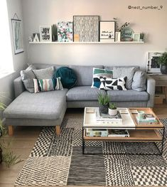 Small Apartment Living, Small Living Rooms, Rugs In Living Room, Home And Living, Living Spaces, Small Living Room Designs, Small Apartment Interior Design, Small Apartment Decorating, Living Room Without Table