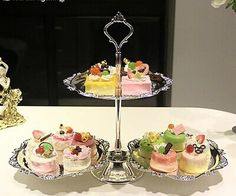 Kingart Hotel Dessert Serving Stand Wedding or Party Supplies Cake Serving Tray Plates Set Wedding Silver Trays