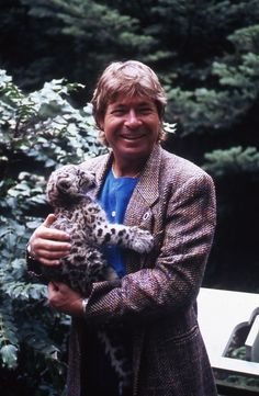 I hope John Denver and Steve Irwin are having some jolly sing alongs together in heaven. How I miss their passionate voices for wildlife and the environment.