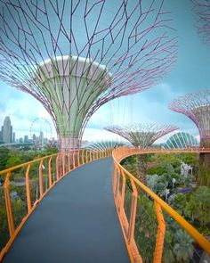 Beautiful Places To Travel, Cool Places To Visit, Singapore Travel, Gardens By The Bay, Futuristic Architecture, Dream Vacations, Travel Around The World, Travel Photography, Vacation Places
