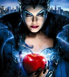 Evil queen Narissa from Enchanted movie 2007. played by Susan Sarandon