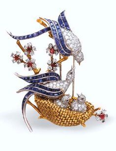 "Lovebirds brooch by Van Cleef & Arpels ""Les Inseparables"" Bird Jewelry, Gems Jewelry, Animal Jewelry, Jewelry Art, Antique Jewelry, Jewelery, Jewelry Accessories, Vintage Jewelry, Fashion Jewelry"