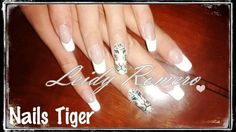 Nails art tiger