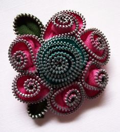 So cool - Zipper Flower Brooch by ZipPinning