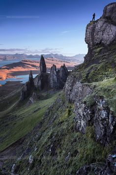 """Old Man of Storr  - Scotland - Isle of Skye - Old Man of Storr  - Scotland - Isle of Skye ---------  Follow me : <a href=""""http://www.facebook.com/antoniogaudenciophotographie"""">FaceBook</a> // <a href=""""http://www.antoniogaudenciophoto.com"""">My Web Site</a> // <a href=""""https://www.instagram.com/antonio_gaudencio/"""">Instagram</a> --------- To discover my universe, please take a look on my website.   All photographs are available for sale (Licensing and Fine Art Print). Toutes les Photographies…"""