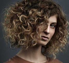 20+ Short Hairstyles for Thick Curly Hair