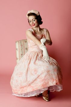 1950's outfit with gloves