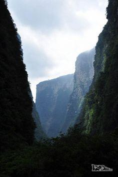 A majestosa paisagem do canyon Itaimbezinho, em Praia Grande, em Santa Catarina