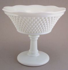 Westmorland-Milk-Glass-American-Hobnail-Compote-Comport
