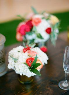 Wedding flowers 15-2 http://eweddingssecrets.com/top-10-wedding-gifts-to-give-to-a-newlyweds.html